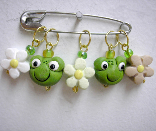 *FROGS* stitch markers (set of 5 )